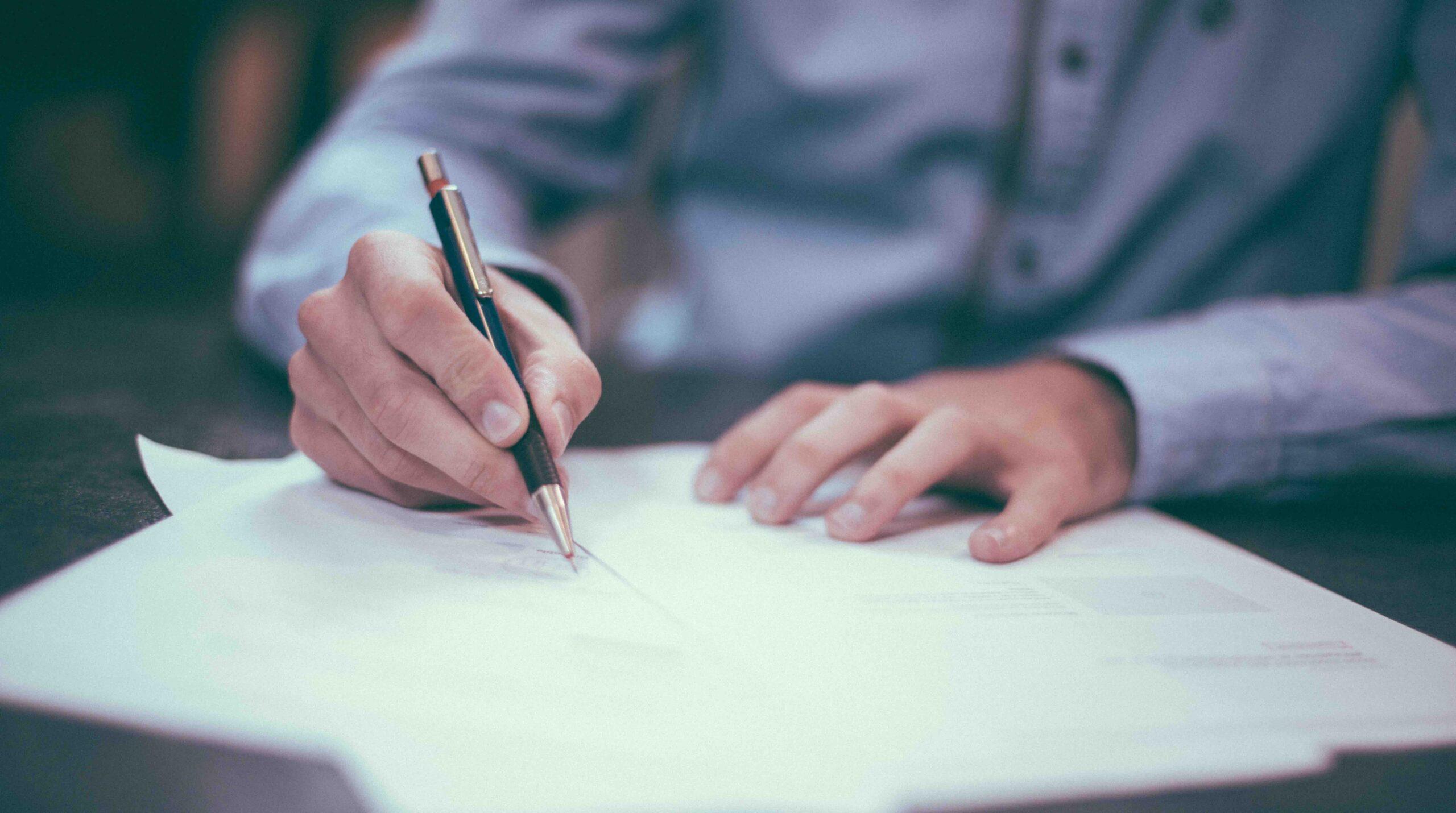contrato de diseño gráfico