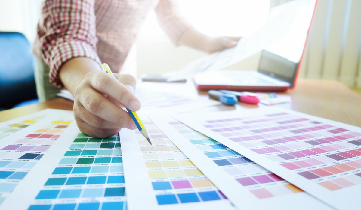 Cómo elegir los colores correctos para un logotipo - logo diseño - psicologia del color - marcas