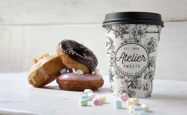 10 Mock-ups gratis de vasos plásticos de café - Plantillas en psd - Descargar maqueta