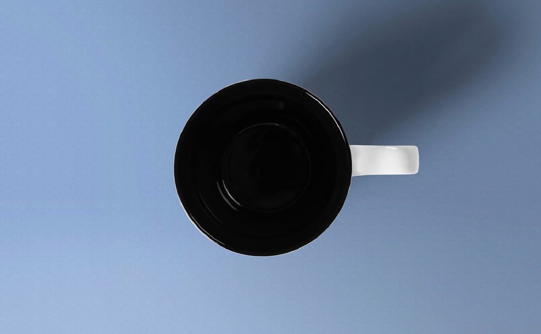 3 Mockups impresionantes de tazas de café gratis