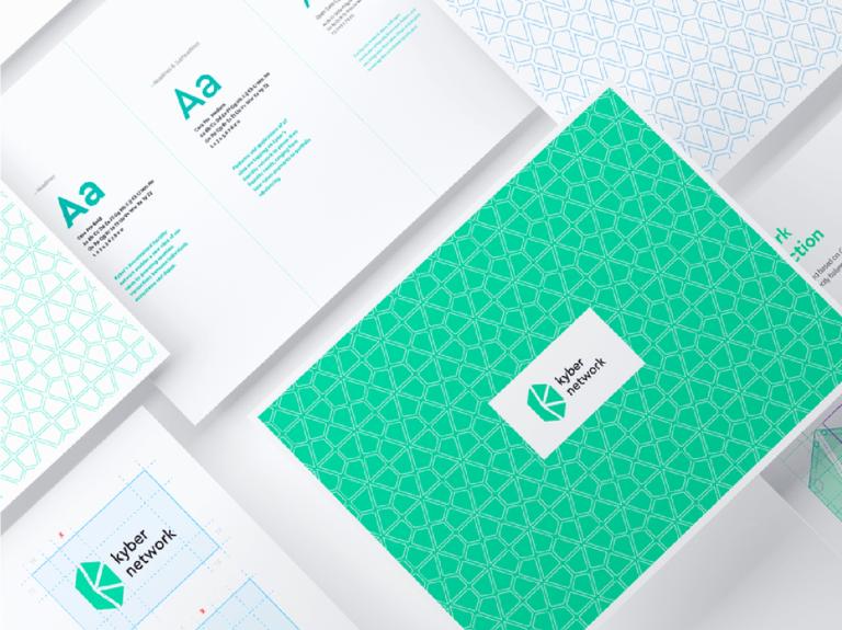 Por ejemplo, la portada del manual de identidad de Starbucks contiene un logotipo, una misión y un elemento circular color verde que cobra vida cuando lo apuntas con el cursor.
